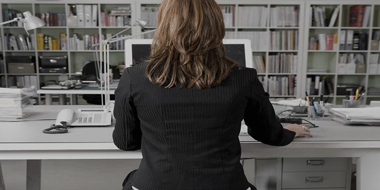 4 Ergonomic Tips to Help Improve Posture and Your Focus